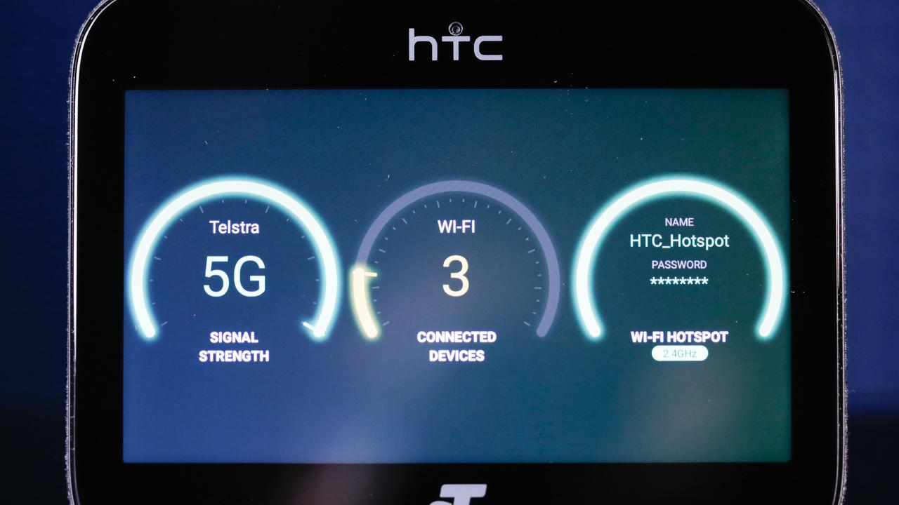 Telstra shows off its first 5G devices