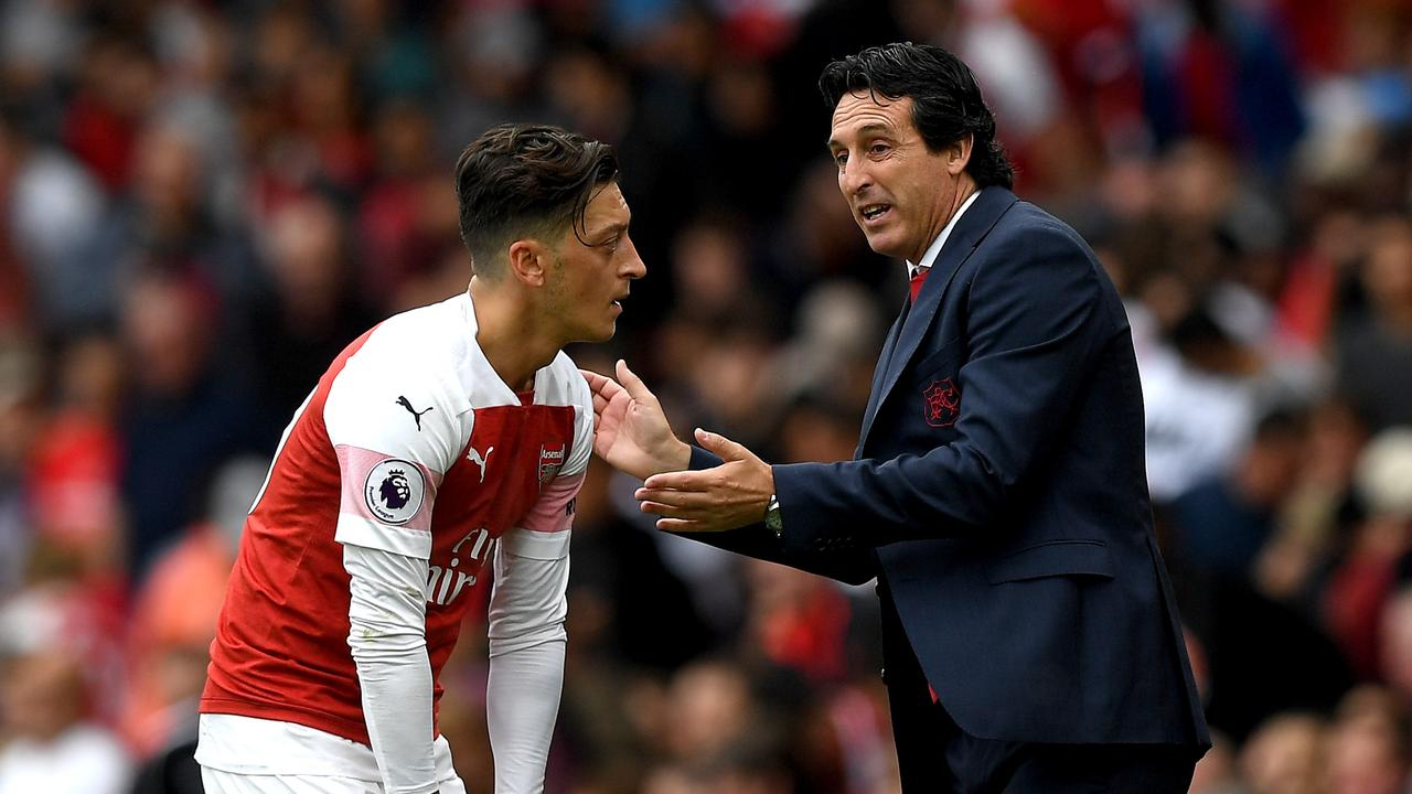 The feud between Mesut Ozil and Unai Emery has reached boiling point.