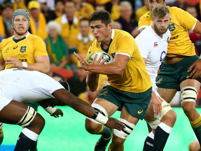 A new Wallabies contract could keep Simmons in Australia. Picture: Adam Head