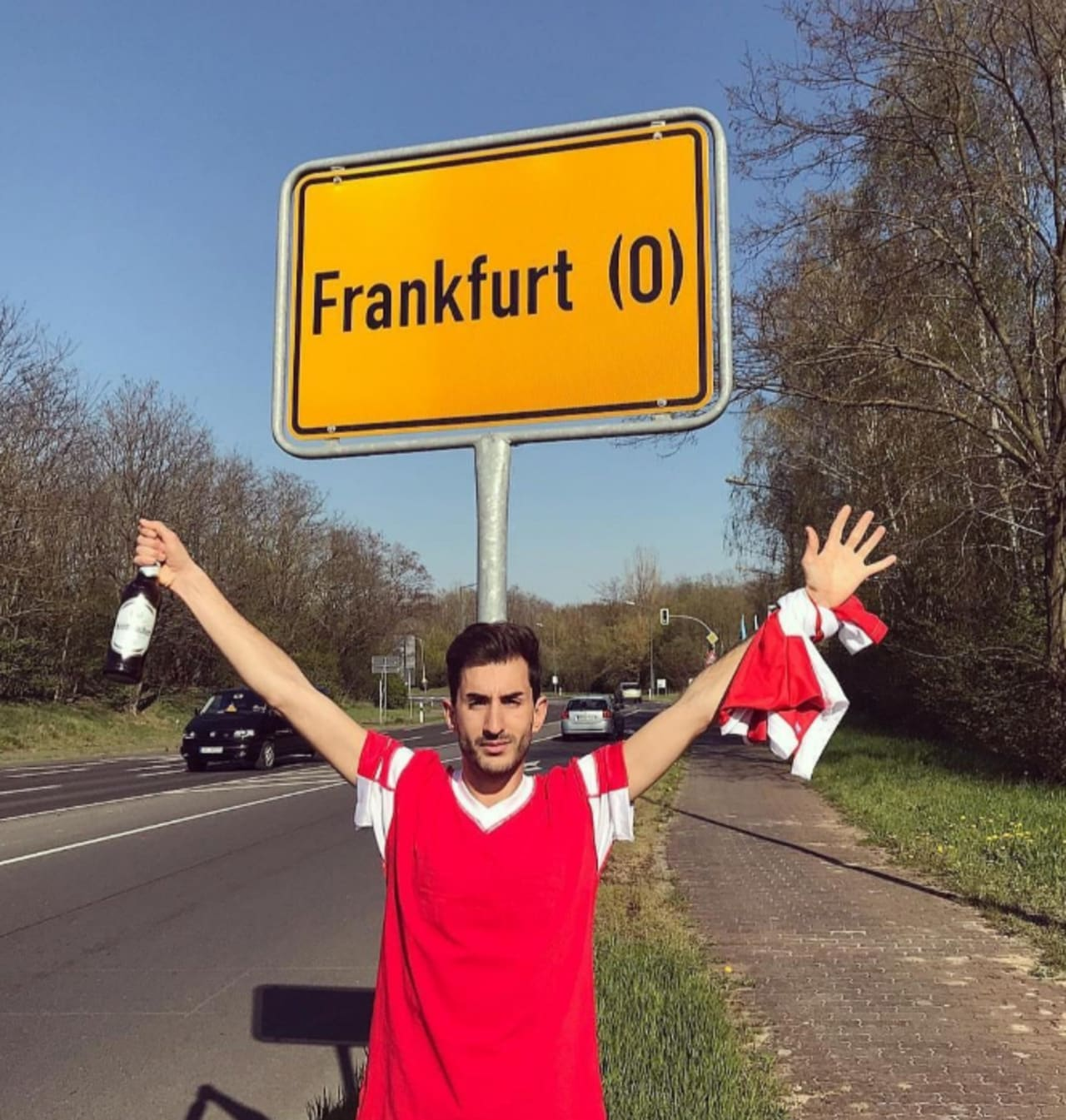 Benfica fans went to the wrong Frankfurt!