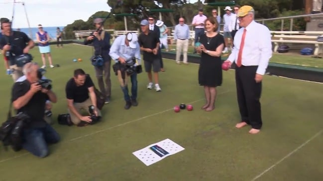 A day on the green - PM hits the jack at the Torquay Bowls Club
