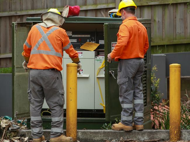 Ausgrid has assured customers affected by the outages it has up to 1000 contractors working each day to resolve the situation. Picture:Justin Lloyd