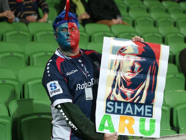 A Rebels fan shows his feelings towards the ARU.
