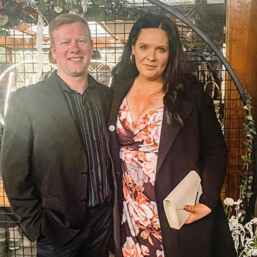 In a brutally honest post, blogger Jessica Hood revealed she hasn't let her husband see her naked in six years. Picture: Instagram/@Houseofhoods