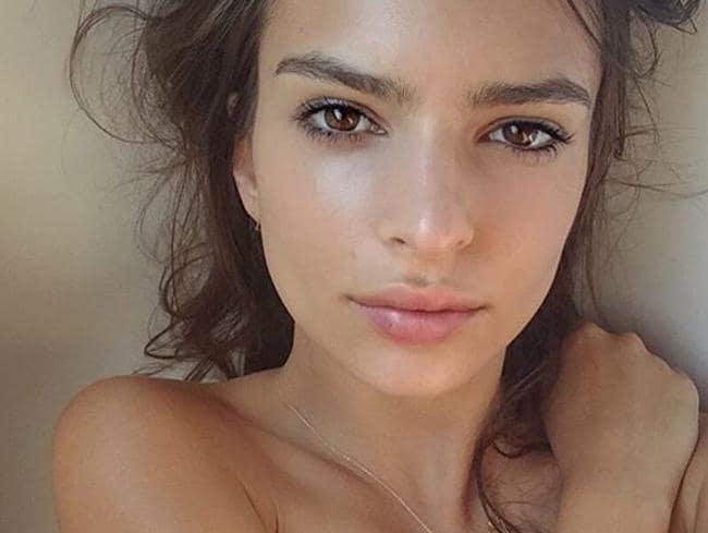Attractive Nude Selfies Female Pics