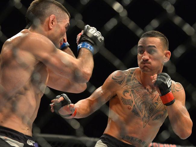 Max Holloway (R) is already ripping into Jose Aldo.