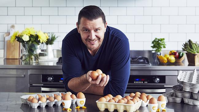 Manu reveals secret to perfectly poached eggs.