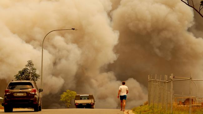 Bushfires burned out of control at Port Macquarie and Harrington. Picture Nathan Edwards.