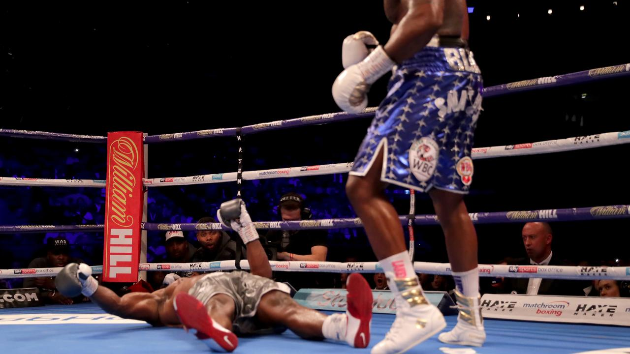 Dillian Whyte knocks Dereck Chisora out.