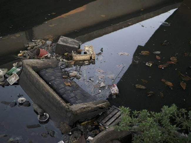 This is typical of the scenes found in many of Rio's waterways.
