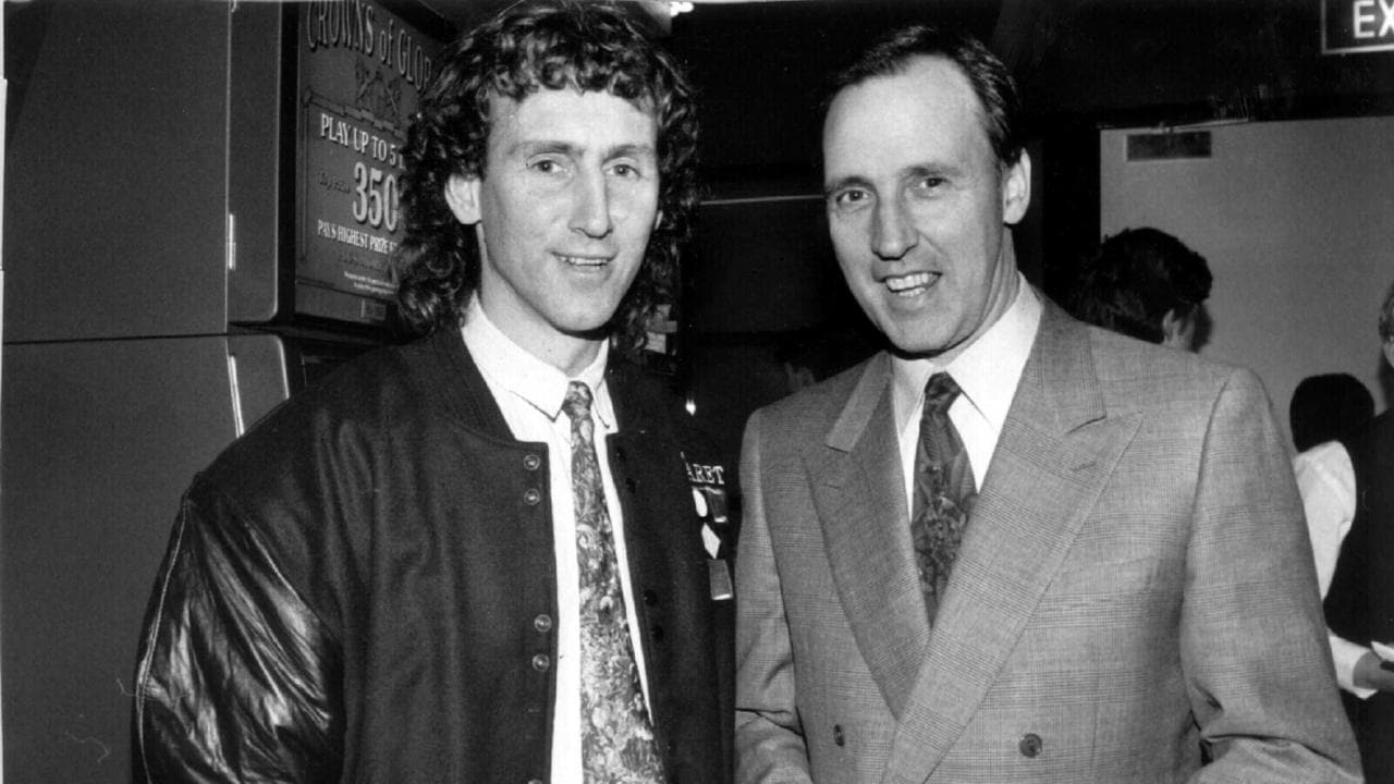 Former Prime Minister Paul Katie has announced himself as a fan of Collingwood for a certain period of time - this is the picture with Peter Daikos.