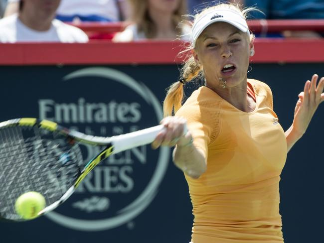 Carolina Wozniacki was beaten in a tough three-setter by Serena Williams.