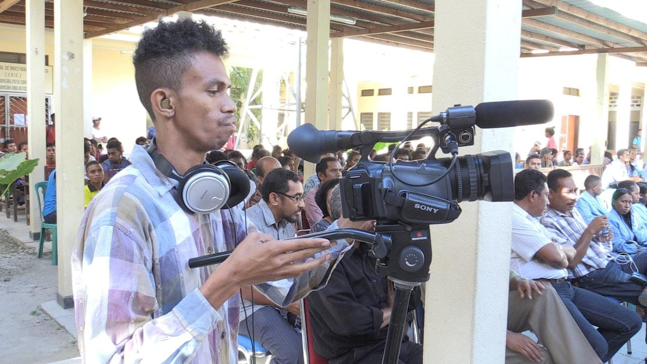 UTS camera donations put East Timorese journalism students