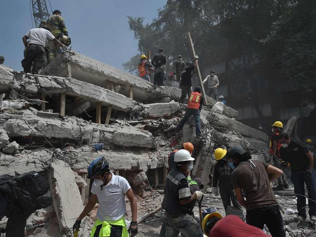 A multistorey building flattened by a 7.1-magnitude quake. Picture: Yuri Cortez/AFP