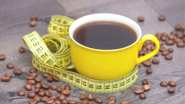 Faites-moi un double coup! La science dit que le café aide à prévenir la prise de poids