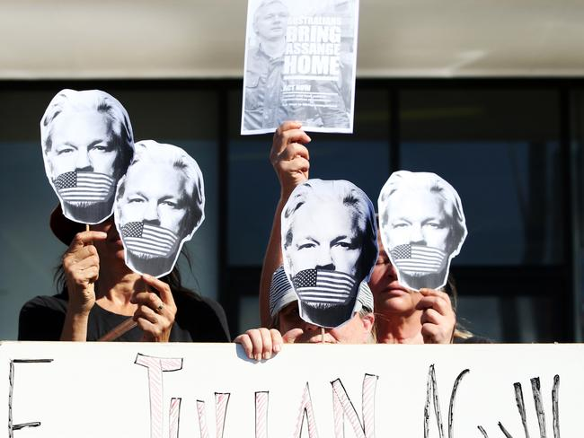 Julian Assange protesters set up out side Federal Member for Richmond Justine Elliot's Office at Tweed Heads. Picture: Supplied