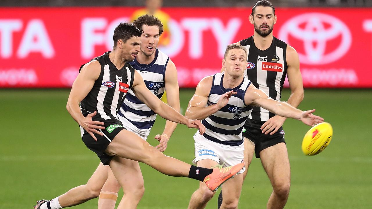 Scott Pendlebury's work against Patrick Dangerfield has allowed his fellow Magpies midfielders to get the footy. (Photo by Paul Kane/Getty Images)
