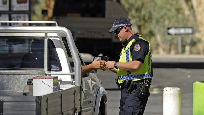 Alice Springs Postcode >> Police usually stationed outside Alice Springs bottle shops were missing in action | NT News