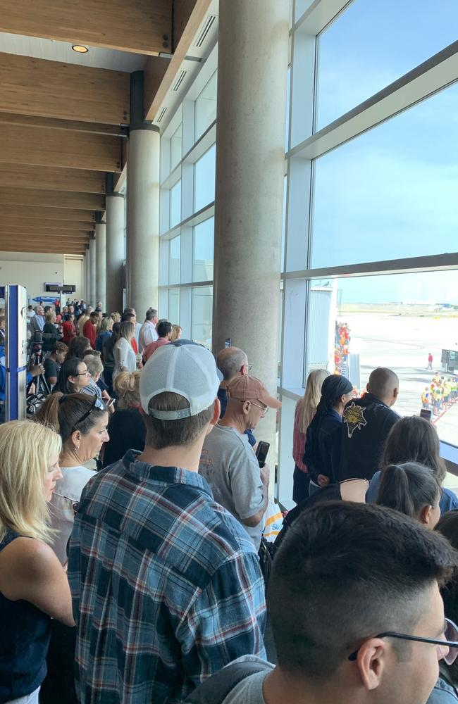 Onlookers say the airport came to a standstill. Twitter: @JProskowGlobal