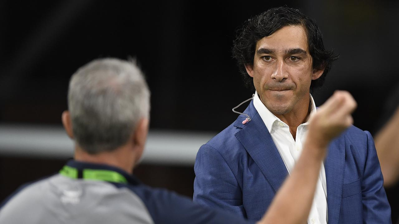 Johnathan Thurston spricht mit Cowboys-Trainer Paul Green.