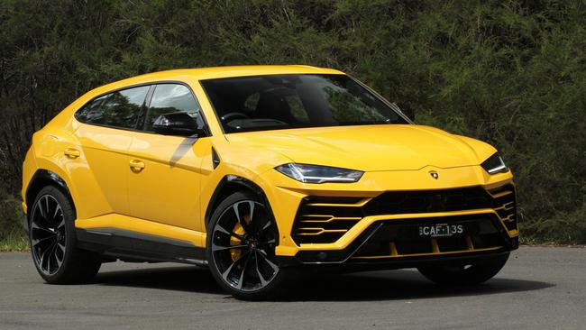The Urus does things no SUV should be able to do.