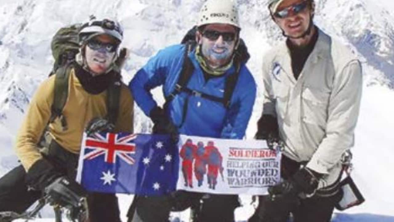 mission to rescue australian soldier trapped on new zealand mountain