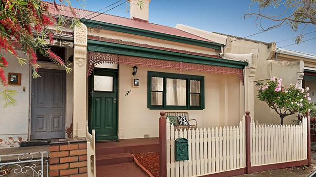 7 Ivy St, Brunswick went $46,000 past reserve.