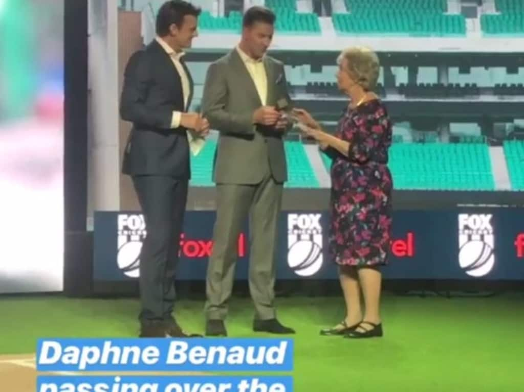 Daphne Benaud hands over the microphone to Adam Gilchrist and Brett Lee.
