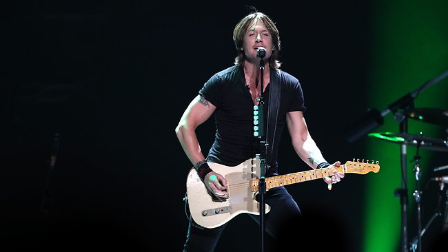 Keith Urban belts out another at Allphones Arena. Picture: Stephen Cooper