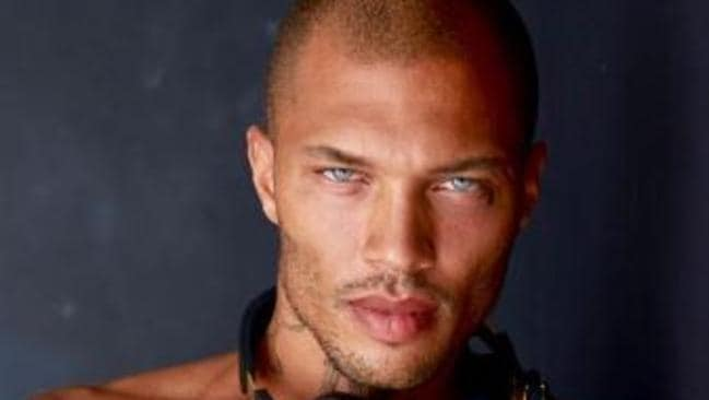 Hot Mugshot Guy Jeremy Meeks Flaunts His Luxury Lifestyle On Instagram