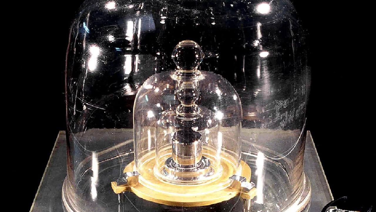 Grand K Kilogram Measure At Bipm In France  To Be Replaced
