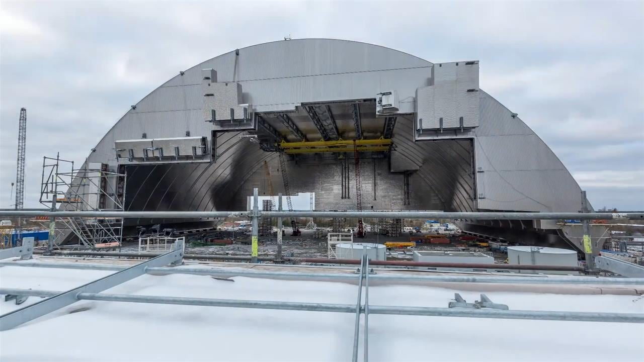 Chernobyl Gets a New Giant Anti-Leak Cover