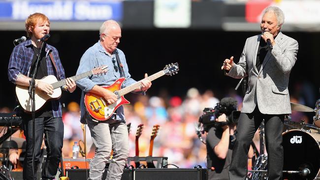 Ed Sheeran performed at the AFL grand final with Tom Jones.