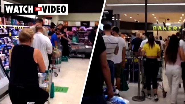 Unbelievable Woolworths queues before three-day lockdown