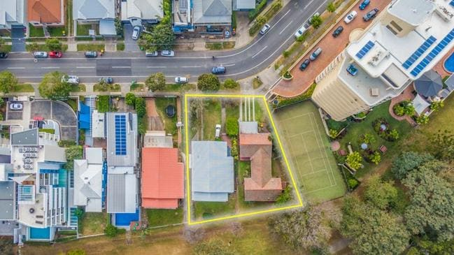 Two neighbouring properties at 156 and 158 Oxlade Dr, New Farm, have sold for $10.2m. Picture supplied.