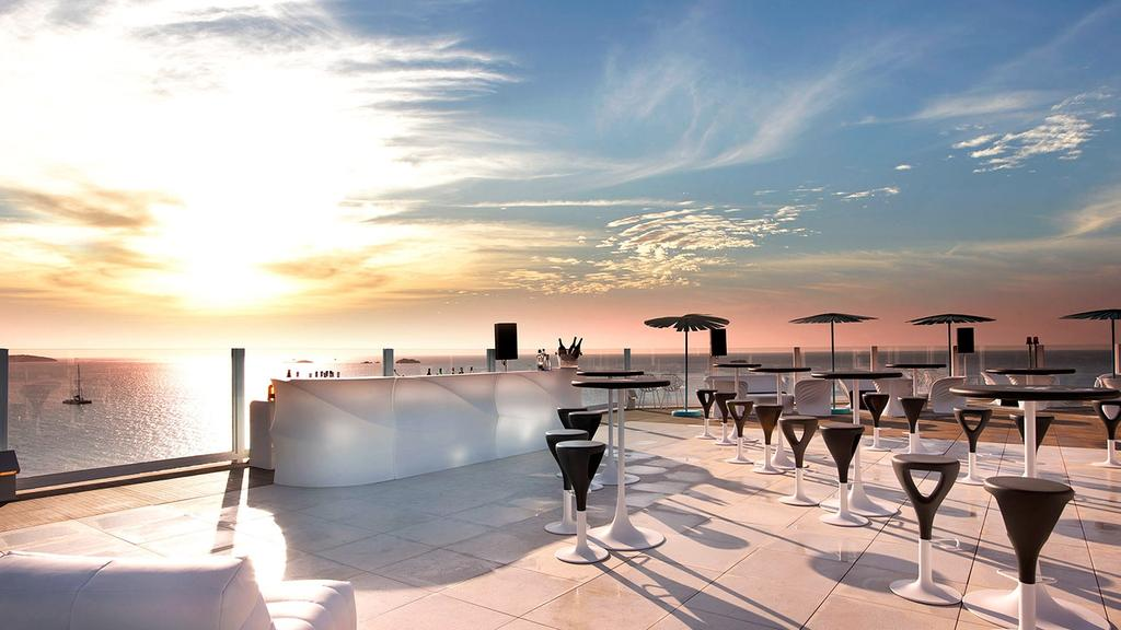 The world s most amazing rooftop bars escape for 41 river terrace ny ny