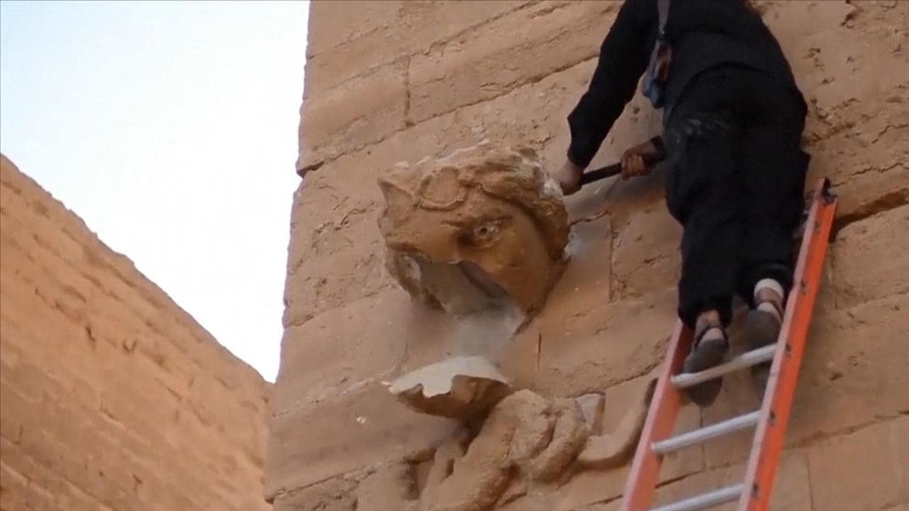 ISIS Destroys Hatra Artifacts, New Video Claims