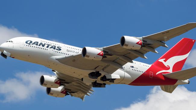 American Airlines and Qantas gain approval to form joint venture