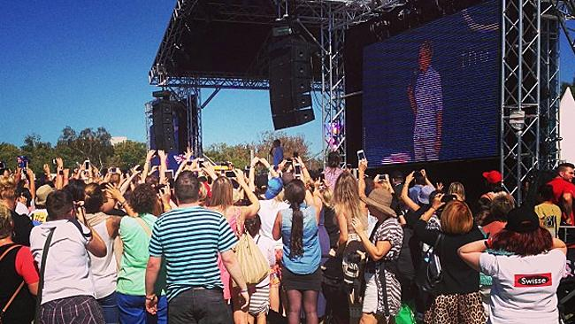 Fans go crazy as Ellen DeGenres walks on to the stage at Birrarung Marr, Melbourne. Picture: Instagram