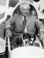 After opening the world gliding championships at Waikerie 12 Jan 1974, the Prime Minister Gough Whitlam posed in the cockpit of the Aust team's glider, a standard Cirrus.
