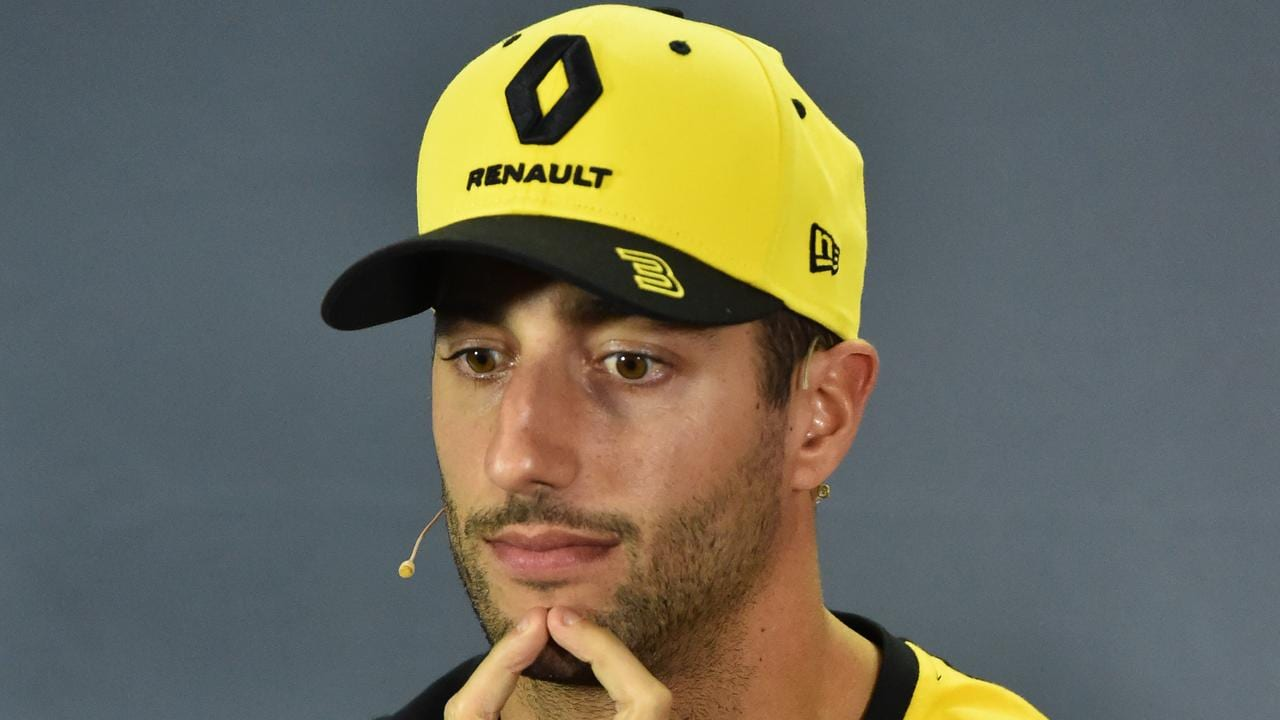 Alan Jones has taken a surprise dig at countryman Daniel Ricciardo.