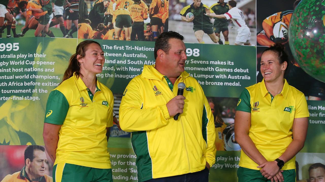 Australian women's sevens coach John Manenti will mentor the Super Rugby all-stars.