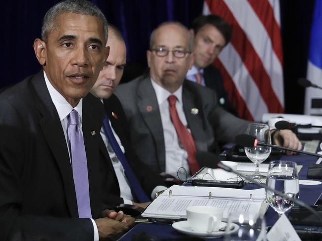 US President Barack Obama speaks to the media in Vientiane, Laos.