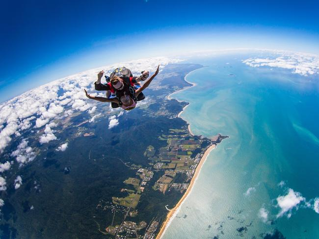 Skydiving accident: Three people dead at Mission Beach | The