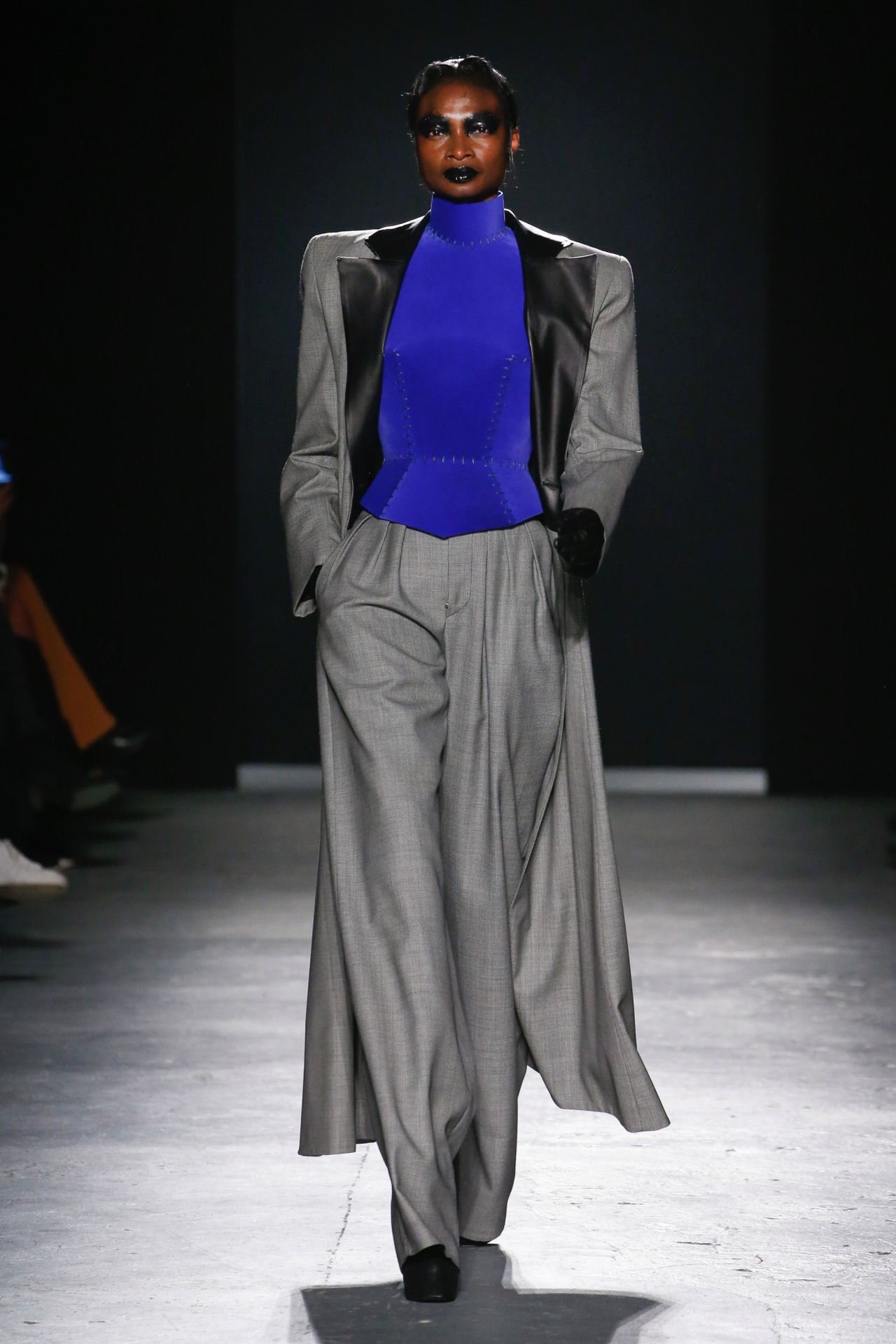 A look from Gareth Pugh ready-to-wear autumn/winter '18/'19 collection. Image credit: Indigital