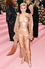 Robyn attends The 2019 Met Gala Celebrating Camp: Notes on Fashion at Metropolitan Museum of Art on May 06, 2019 in New York City. (Photo by Dimitrios Kambouris/Getty Images for The Met Museum/Vogue)