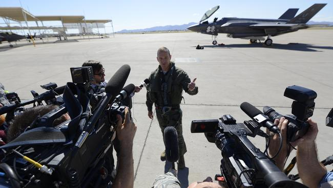 F-35 fails in dogfight against F-16