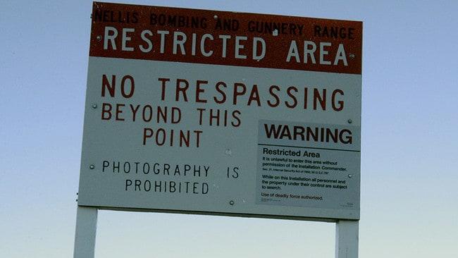 HEBOH!!! 300 Ribu Orang Ingin Menyerbu Area 51 Untuk Melawan Makhluk Asing !!