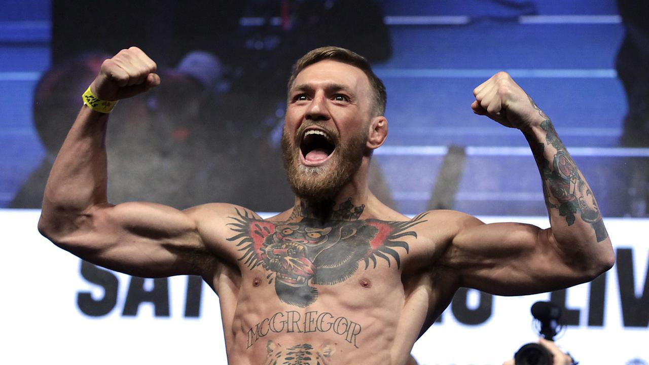 Dana White has offered Conor McGregor a return UFC fight.