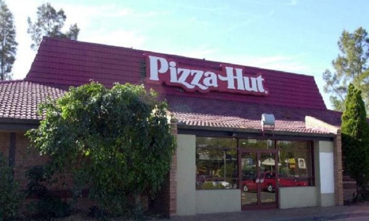 Pizza Hut to take the pizza wars to a new level